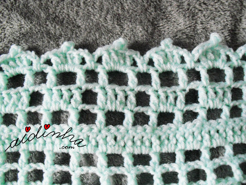 Foto do picô da última volta da manta de crochet