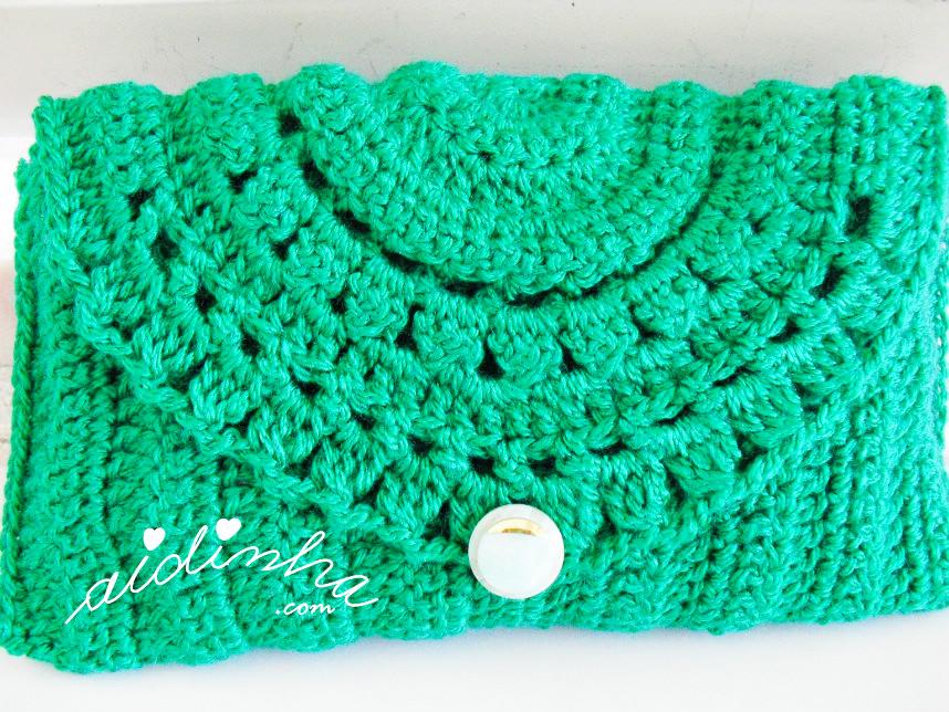 Outra foto da bolsa verde de crochet