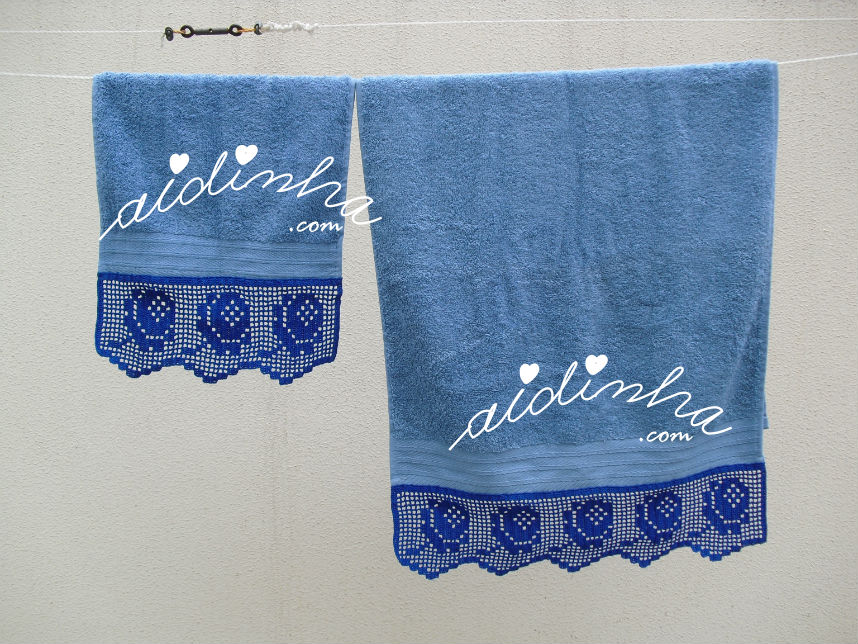 Conjunto de toalhas de banho com crochet azul