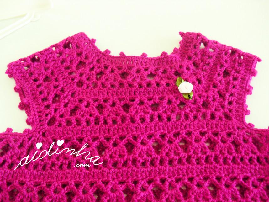Foto do cabeção do vestido infantil, de crochet