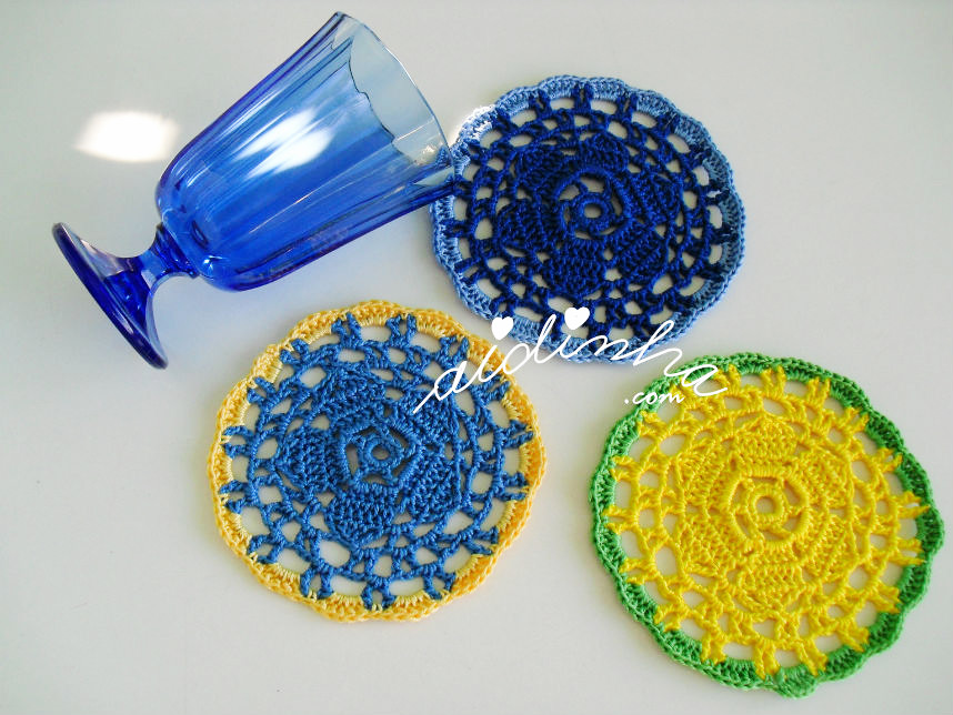 Conjunto de porta-copos de crochet