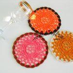 Porta-copos, de crochet, com cores variadas