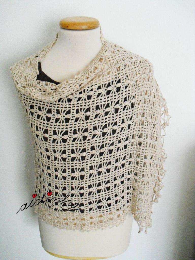 Estola de crochet em fio de algodão crene