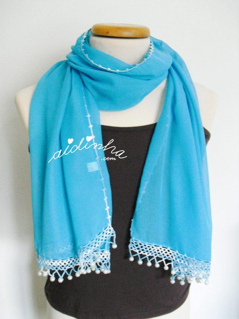 Écharpe turquesa costumizada com crochet