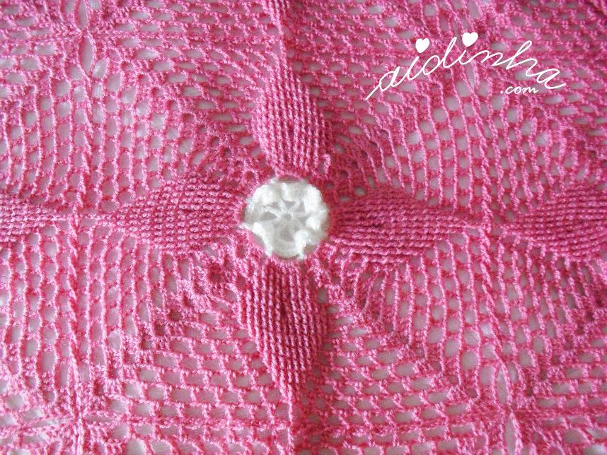 Foto do quadrado de crochet da manta ou colcha