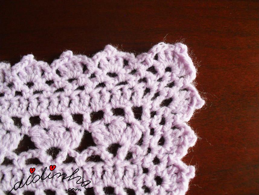 Foto do canto do picô de crochet