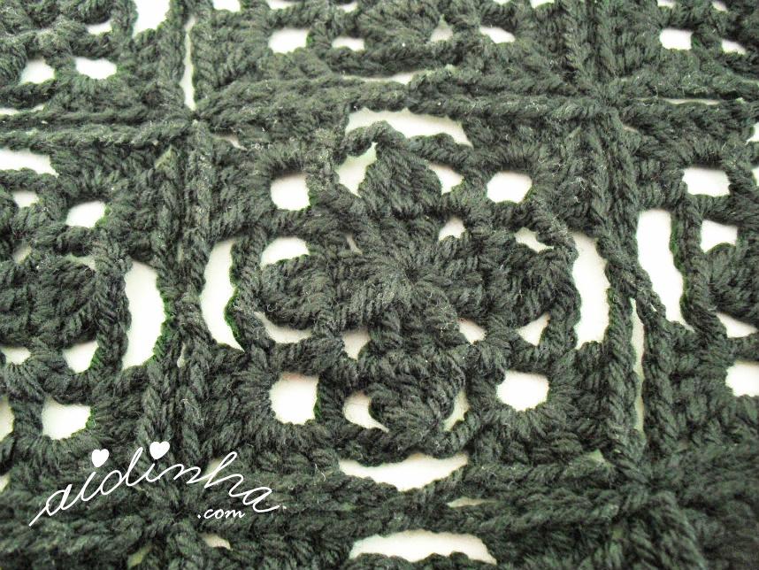 Foto do quadrado do bolero de crochet preto