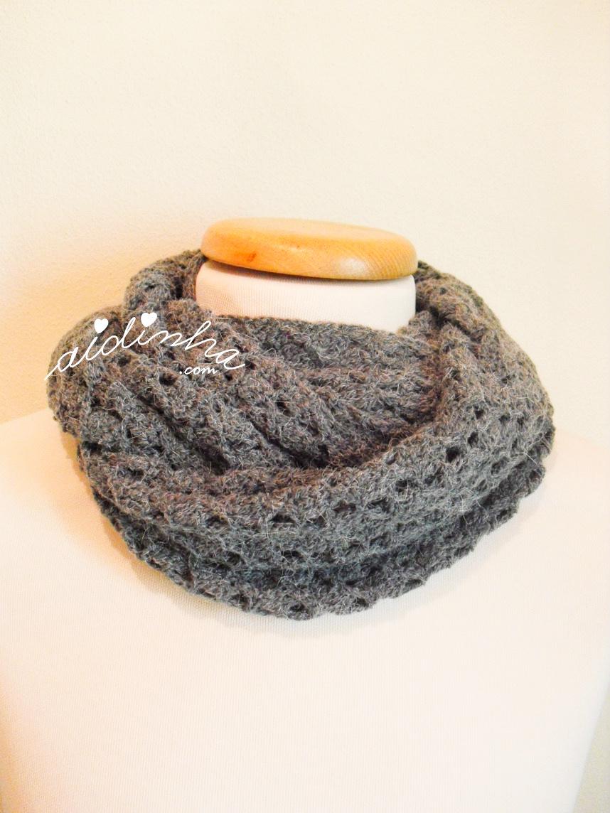 Gola de crochet, cinza, com três voltas