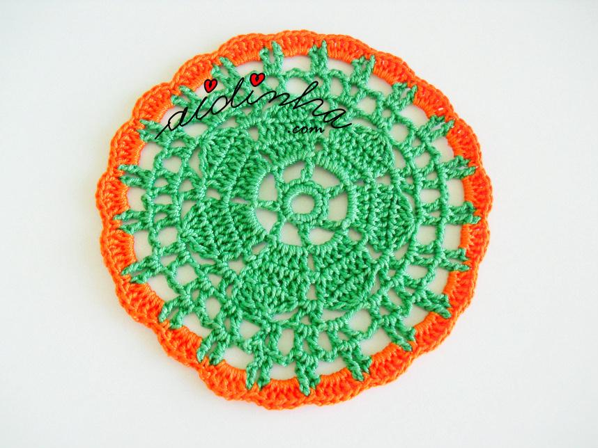 Porta copos em crochet, verde e laranja