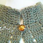 Pelerine, em crochet, castanha