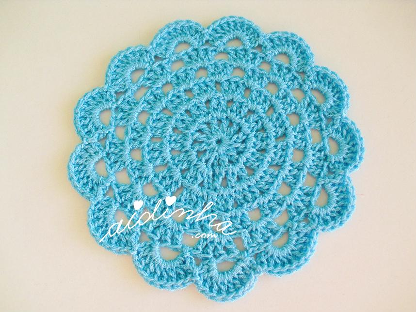 Foto do porta-copos de crochet, turquesa