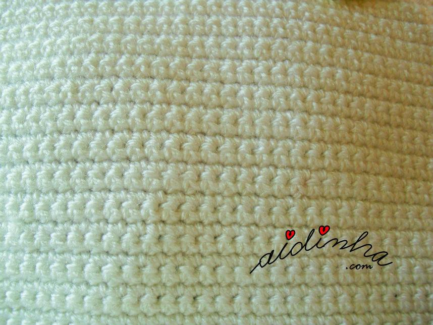Foto da malha baixa da bolsa pérola de crochet