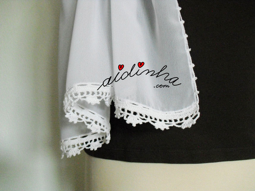 Foto do picô de crochet da écharpe branca