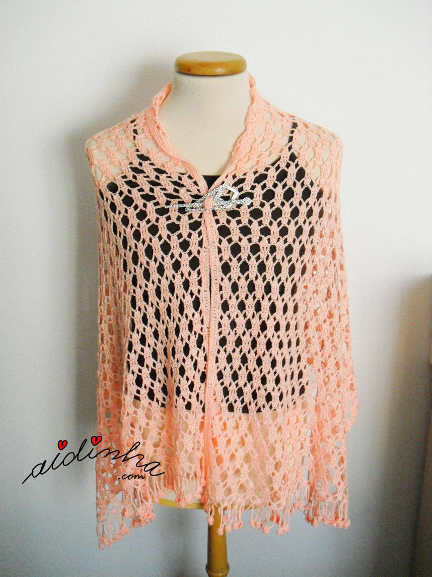 Estola de crochet, na cor salmão