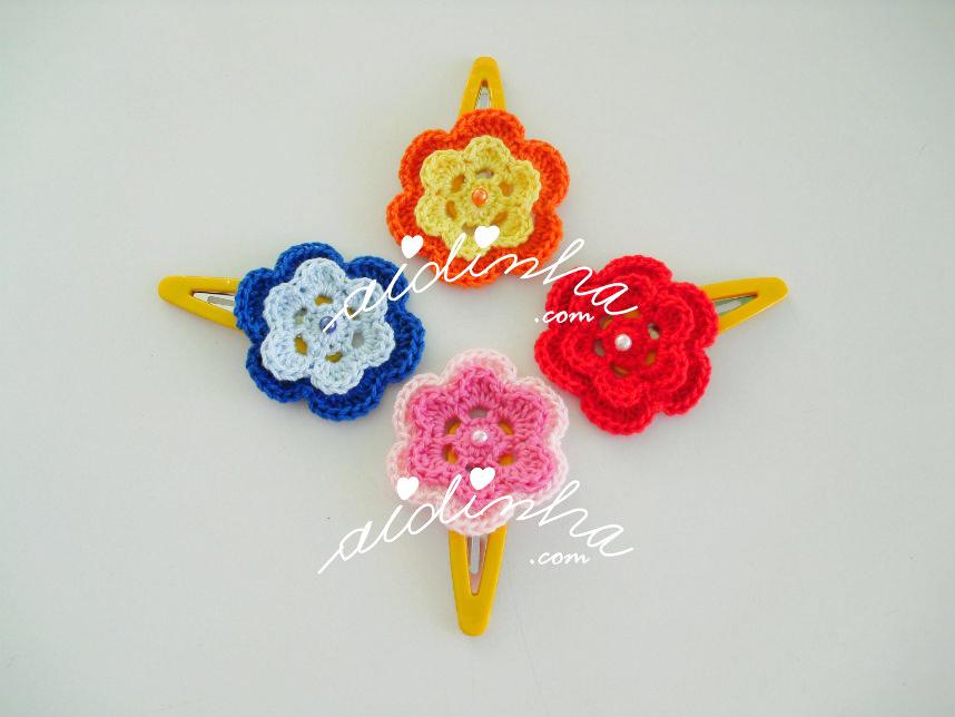 Conjunto de ganchos, com flores de crochet