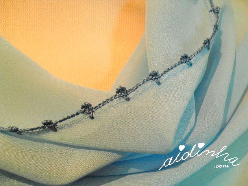 Foto do picô de crochet dos lados maiores da écharpe