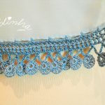 Écharpe azul costumizada com crochet