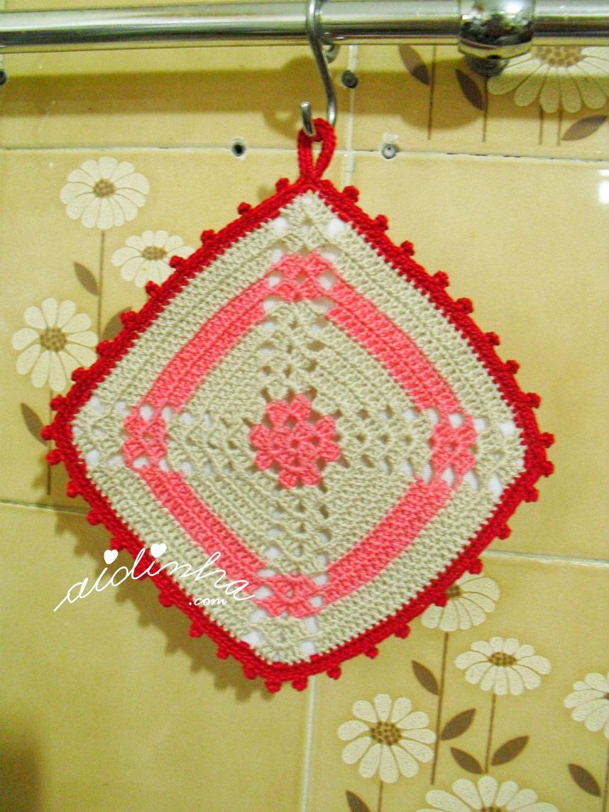 Pega ou agarrador, em crochet, rosa