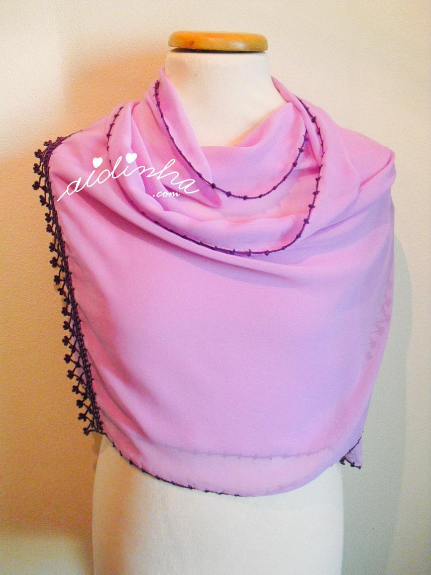 Foto da écharpe lilás, colocada