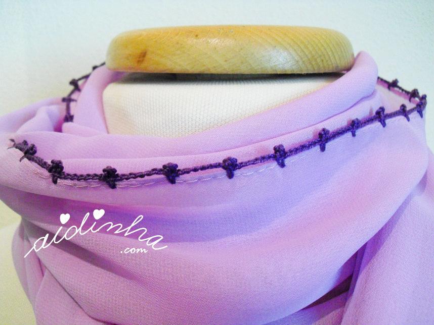 Volta de remate da écharpe lilás