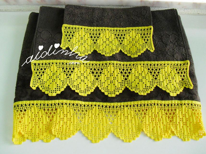 Conjunto de toalhas de banho, com barras de crochet amarelas