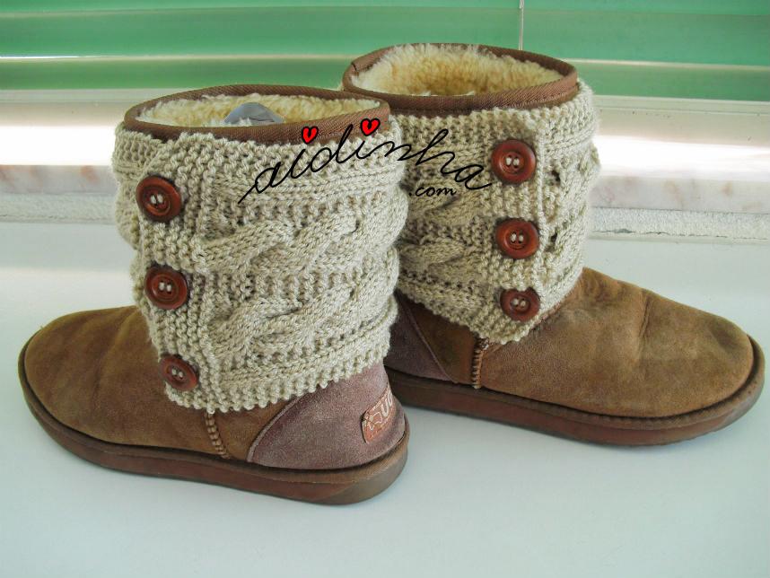 Outra foto das botas com as caneleiras de tricô