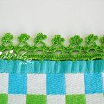 Pano de cozinha com picô de crochet verde