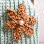 Bolsa em crochet, verde água com flores castanhas
