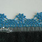 Pano de cozinha com picô de crochet azul