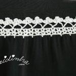 Écharpe preta com crochet em fio prateado