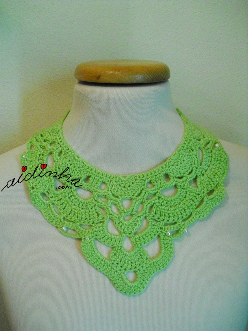 Colar de crochet, com pérolas, verde