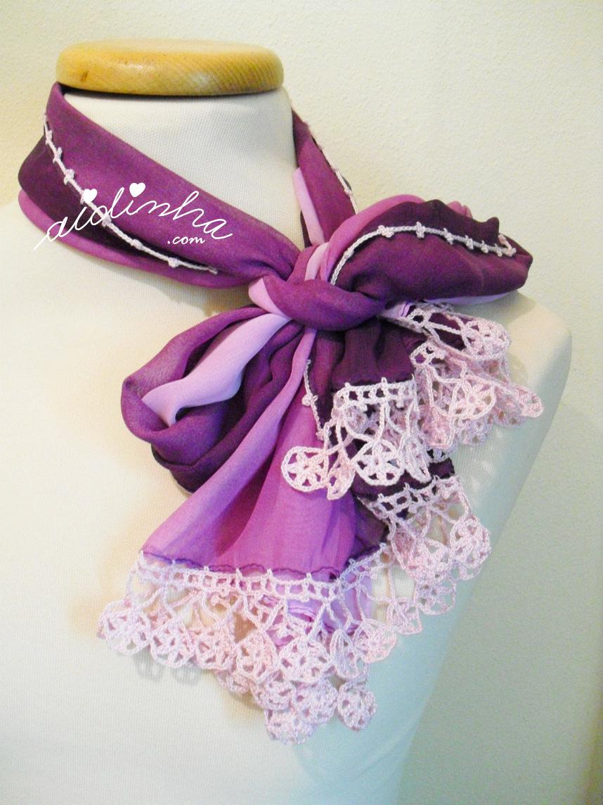 Outra maneira de colocar a écharpe roxa, com crochet