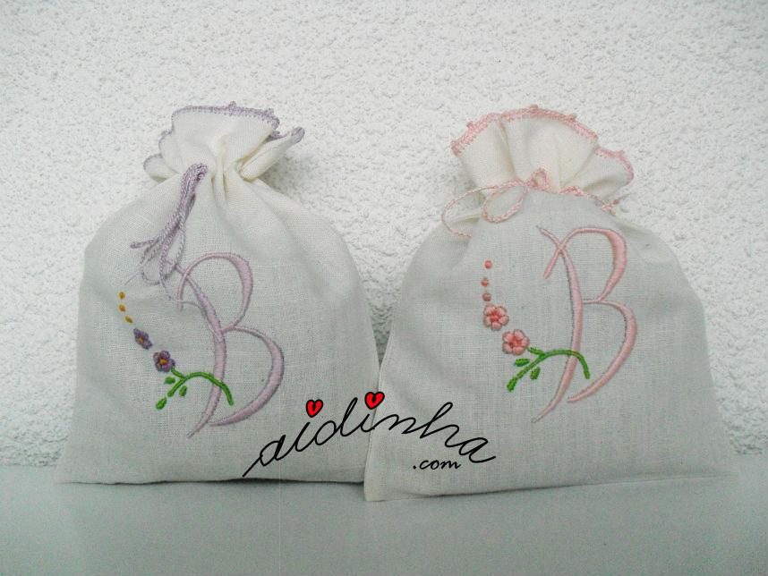 Saquinhos de cheiro B, bordados à máquina