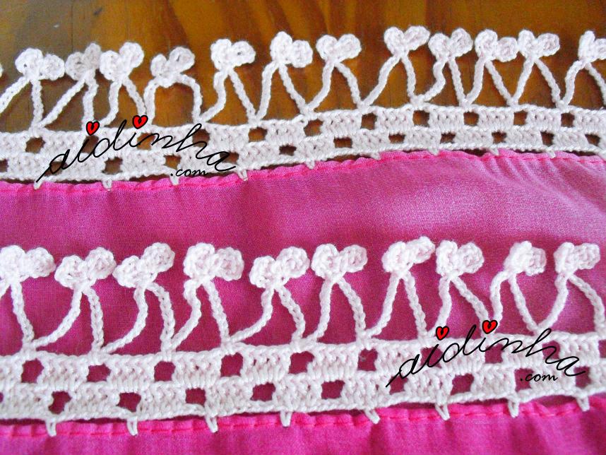 Foto do crochet da éharpe em tons de rosa