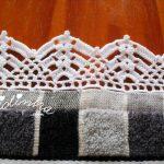 Pano de cozinha com picô de crochet branco