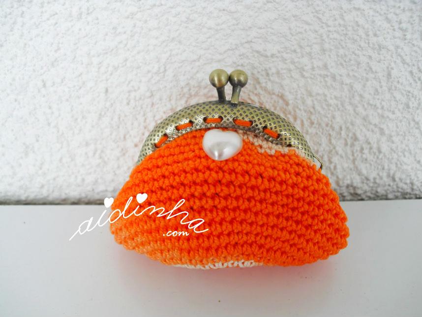 Bolsinha de crochet, em laranja matizado