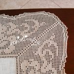 Centro em crochet e linho