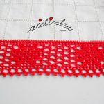 Centro retangular em linho e crochet