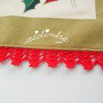Toalhinha de Natal com crochet em vermelho