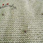 Gola em tricô, com aplicação de pérolas
