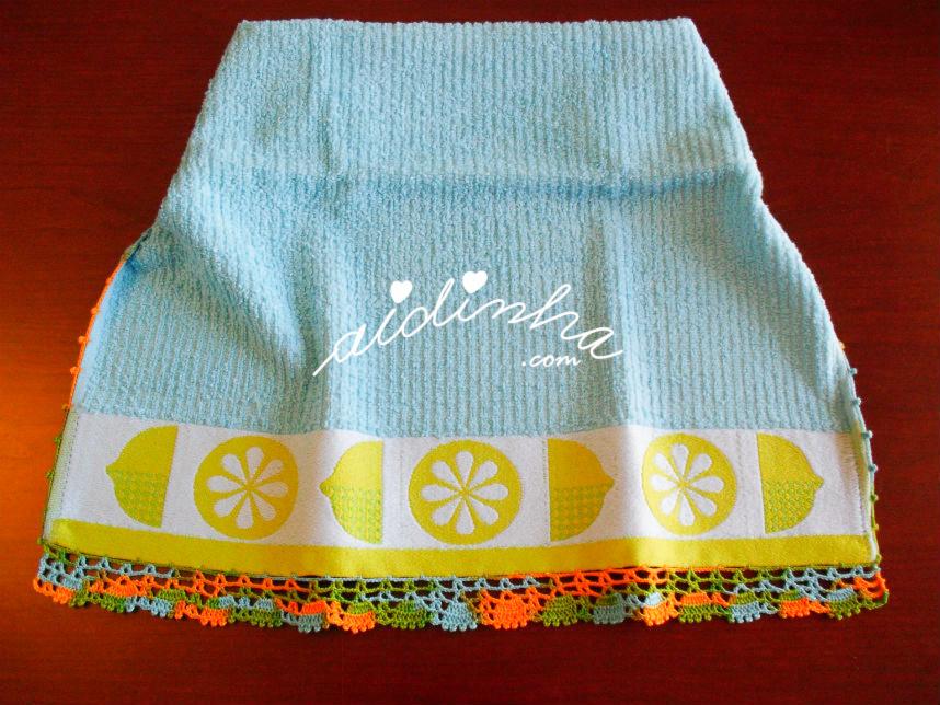 Pano de cozinha com limões e crochet