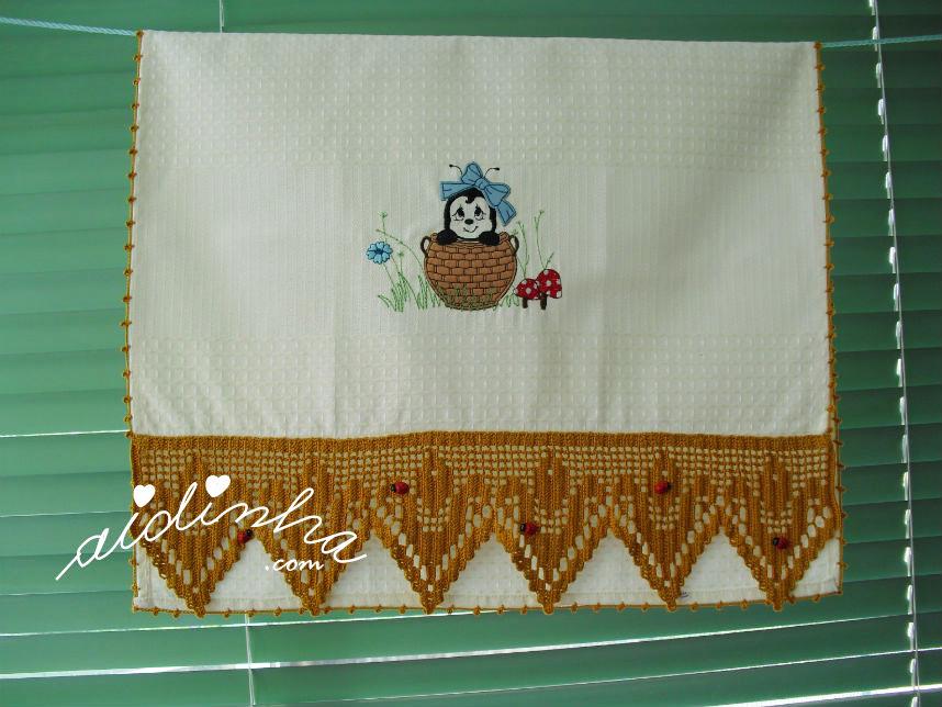 Pano de cozinha, joaninhas, com crochet