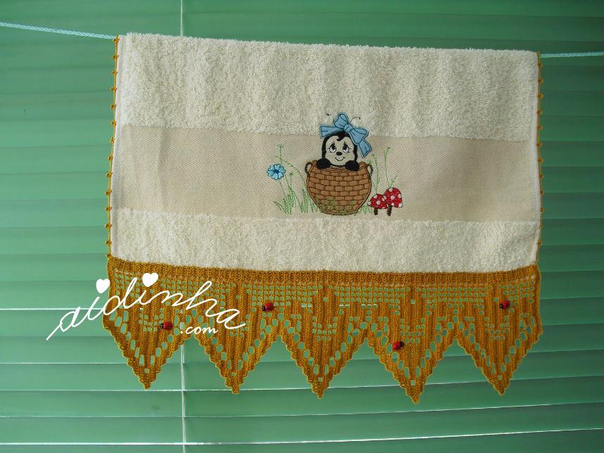 Pano das mãos, joaninhas, com crochet