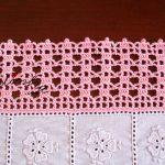 Conjunto de naperons de quarto, em cambraia bordada e crochet