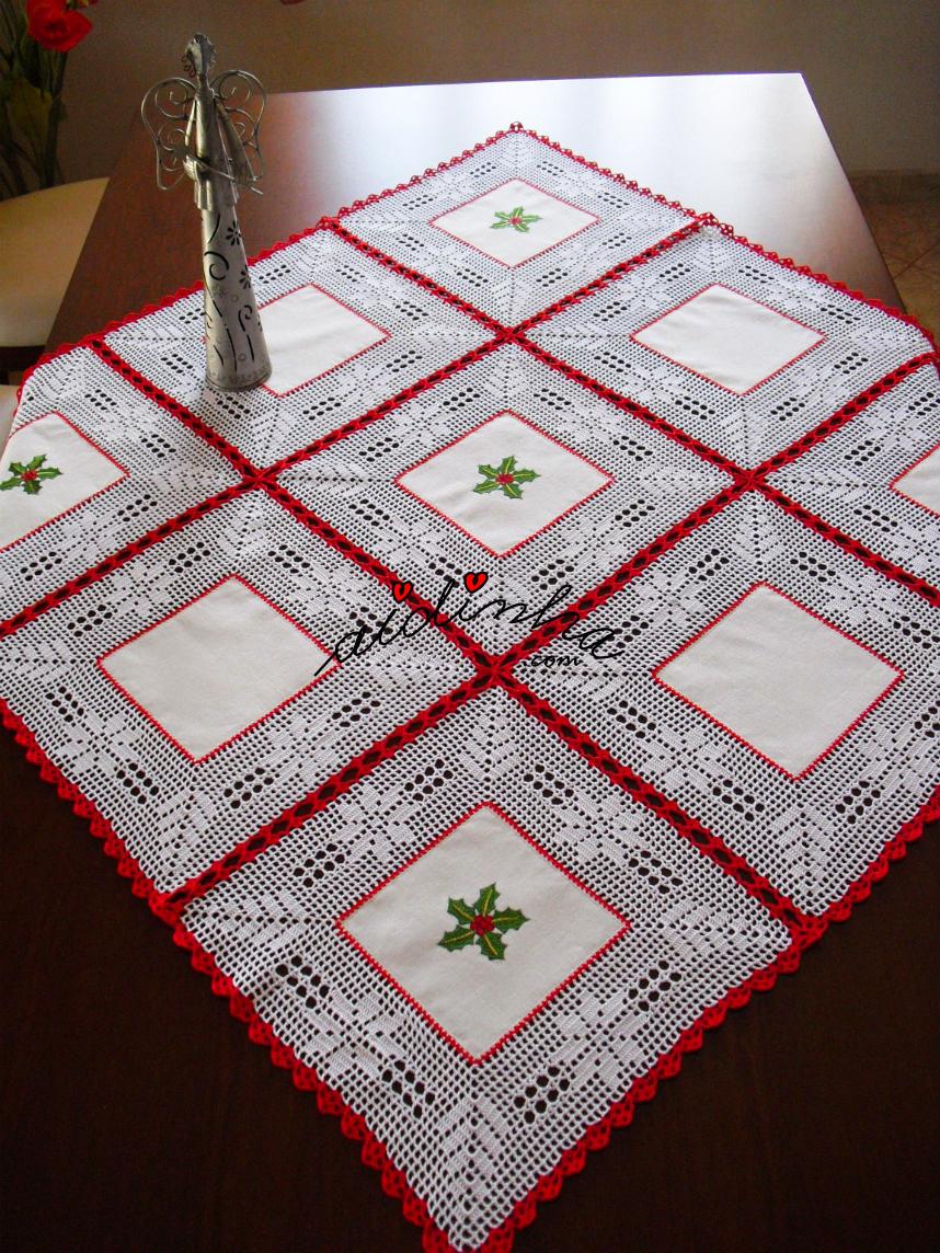 Toalha de Natal, comquadrados de linho bordados e crochet