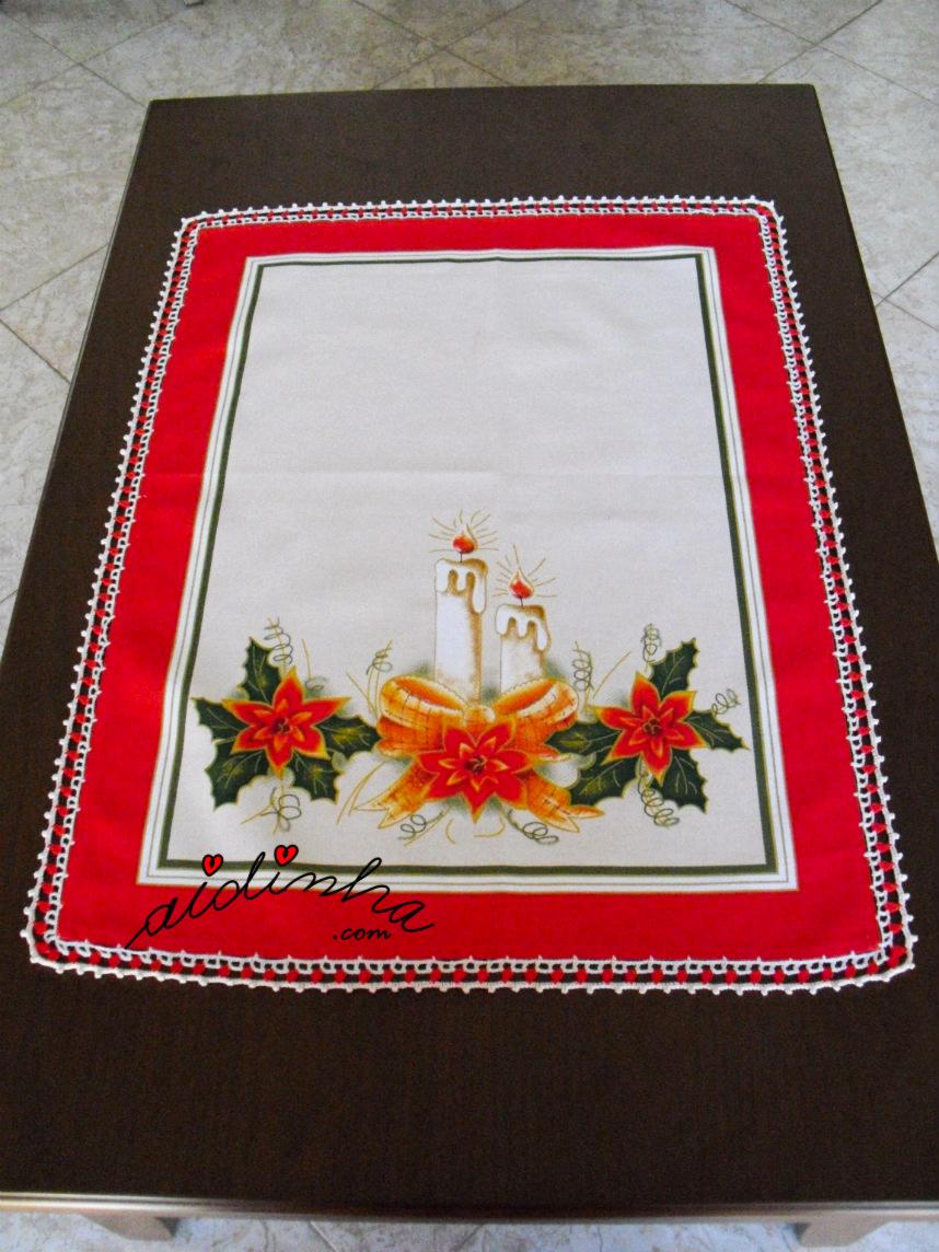 pano de Natal com picô vermelho e pérola