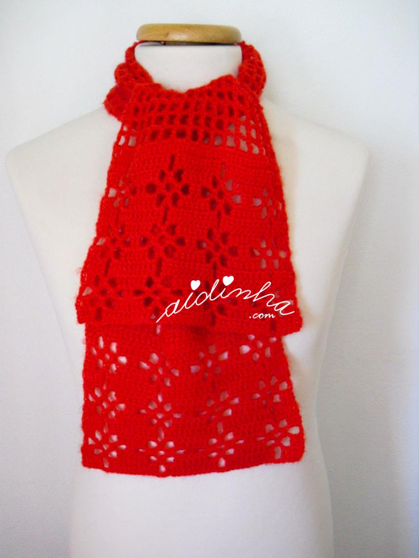 Cachecol vermelho de crochet