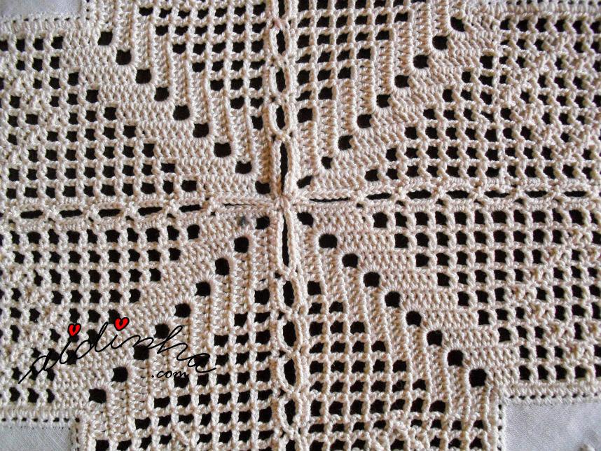 União dos quadrados do centro de linho e crochet