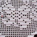 Centro em crochet, com flores