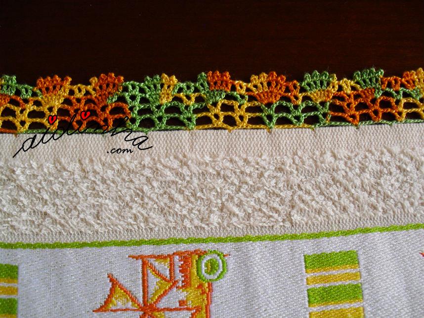 Pormenor do crochet do pano creme